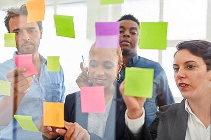 Proponer proyectos de intervención basados en los resultados, para mejorar el acceso al empleo de las personas desempleadas de larga duración.